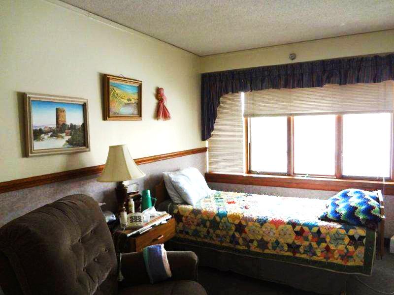 BC_1_cottonwood_room.jpg